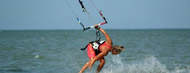 Kiteboard video – Lina kitesurfing in Thailand and Boracay