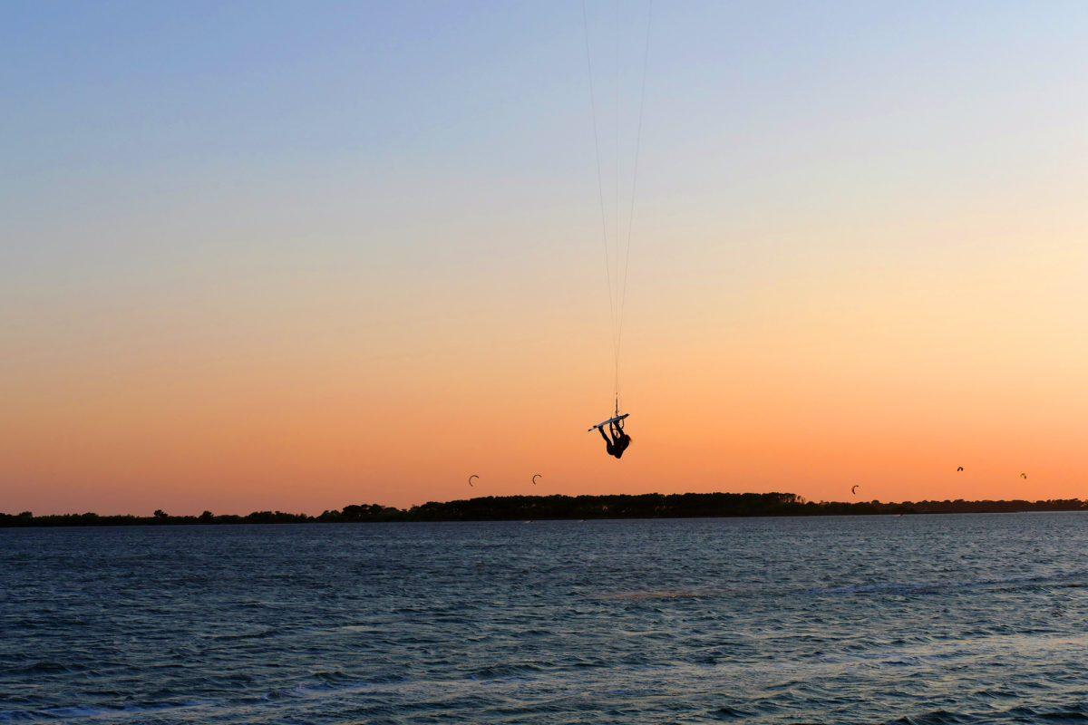 sicily kitesurfing in sunset