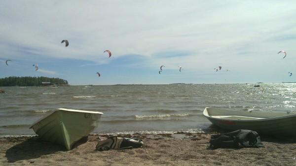 kitesurfing in lauttasaari (laru)